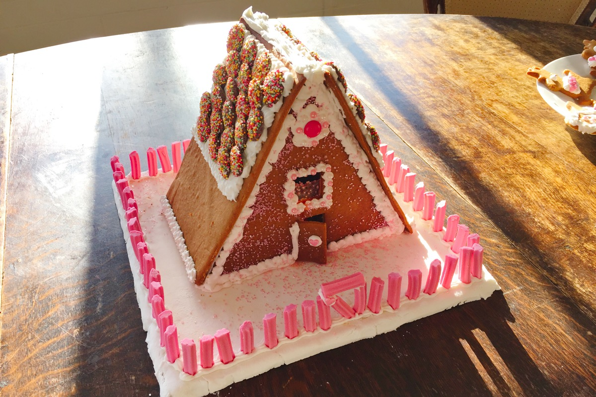 The Gingerbread House decorated.